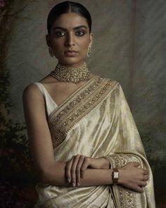 The timeless Saree: Six yards of opulence. Indian Bridal Outfits, Pakistani Outfits, Indian Dresses, Indian Clothes, Sabyasachi Sarees, Lehenga Choli, Lehnga Blouse, Indian Attire, Indian Wear