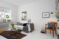 Gothenburg's Exquisite Side: Small Apartment Tastefully Designed - http://freshome.com/2013/04/11/gothenburgs-exquisite-side-small-apartment-tastefully-designed/