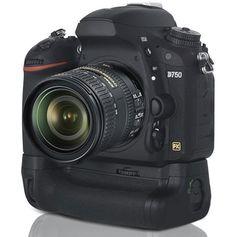 Meike-MK-DR750-battery-grip-for-the-Nikon-D750-camera