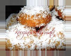 Ένα υπέροχο νηστίσιμο Χριστουγεννιάτικο γλυκάκι και όχι μόνο. Συνταγούλα της αγαπημένης μου φίλης από τη Θεσσαλονίκη Γιάννας. Τα ... Xmas Food, Christmas Sweets, Christmas Recipes, Greek Cookies, Delicious Desserts, Dessert Recipes, Greece Food, Greek Sweets, Crazy Cakes