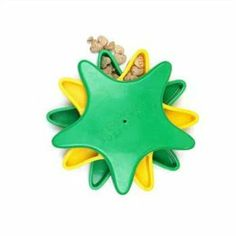 Amazon.com: Kyjen DG40113 Star Spinner Treat Toy Dog Toys Scent Puzzle Training Toy, Large, Green: Pet Supplies