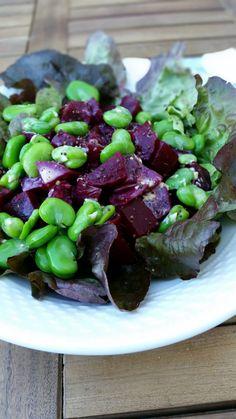 Salade betterave fèves et sauce au miel