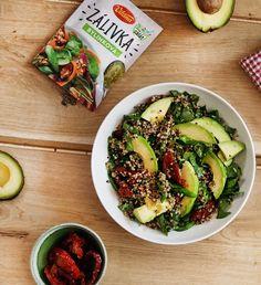 Grilovali ste už dary mora? Vyskúšajte gorilované limetkové krevety. Je to veľká delikatesa. #gorilovacka #chutnakuchyna #dnesjem #grilujeme #krevety #mnam #pochutka #grilovacka #delikatesa #darymora #recept Quinoa, Zucchini, Vegetables, Food, Summer Squash, Meal, Eten, Vegetable Recipes, Meals