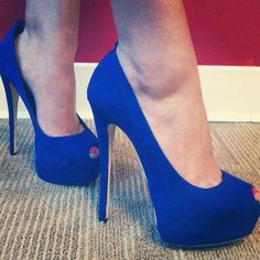 The color of these shoes are perfect