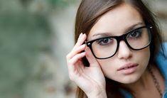 ΥΓΕΙΑ ΚΑΙ ΟΜΟΡΦΙΑ: Βρες τα κατάλληλα γυαλιά οράσεως ανάλογα το σχήμα ... Glasses, Beauty, Fashion, Eyewear, Moda, Eyeglasses, La Mode, Fasion, Eye Glasses