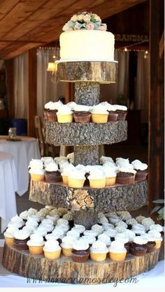 This adorable tree stump cake / cupcake stand is perfect for a country/ rustic wedding. Add some fall colours and it works for a fall wedding too. Barn Wedding Cakes, Western Wedding Cakes, Rustic Wedding Cupcakes, Redneck Wedding Cakes, Western Wedding Ideas, Cupcake Wedding Display, Wedding Venues, Wedding Cakes With Cupcakes, Wedding Ideas With Wood