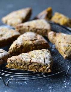 Pumpkin scones with warm spices (gluten and sugar free) - A tasty love story / Wholesome Foodie <3