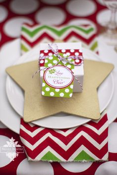 Christmas Party Favors #christmas #partyfavors #gift #wrapping #presents #packaging #place #setting #dinner