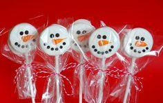 Si te gustaron todas las ideas que te estuvimos dando para armar una fiesta temática de Frozen, te va a encantar este tutorial para agregar algo delicioso a la mesa dulce! Se hacen rapidísimo y son muy fáciles…! Tan fáciles...