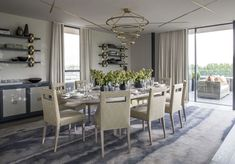 We bring you 10 modern dining room designs by the top interior designer Helen Green - one of Britain's leading interior design practices. Dining Table Design, Modern Dining Table, Elegant Dining, Luxury Dining Room, Beautiful Dining Rooms, Family Room Lighting, Minimalist Dining Room, Luxury Interior Design, Modern Room