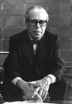José Luis Sert.Arquitecto. Autor del pabellón de España en la Exposición Internacional de París 1937.