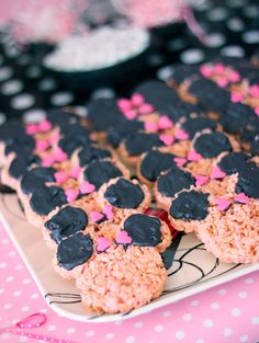Minnie Mouse party - Minnie ears Rice Krispy treats