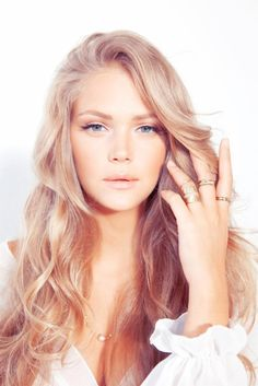 #Beauty loving the ash blonde look.
