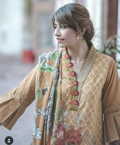 Cross stitch winter collection 2017 – 2018 for women. Neck Designs For Suits, Sleeves Designs For Dresses, Neckline Designs, Dress Neck Designs, Sleeve Designs, Pakistani Fashion Casual, Pakistani Dresses Casual, Pakistani Dress Design, Casual Dresses