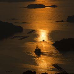 Sasebo-shi, nagasaki-ken, Japanで撮影された石岳展望台の写真 黄金色の海