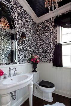 Black & white Bathro charisma design