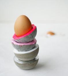 Concrete egg cup
