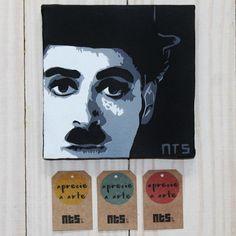 Quadro Charlie Chaplin em tecido artístico 100% algodão com pintura em tinta acrílica, tecnica de stencil.  Envernizado para melhor proteção e durabilidade.      #art #stencil #quadro #NTSart #artistic