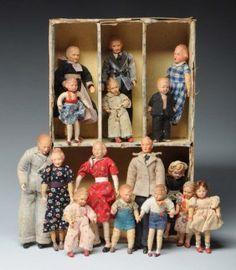 Box of German Doll House Dolls. : Lot 1042