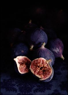 """Figs, unidentified and with no recipe. In reality: """"william lingwood.....shoots food"""""""