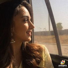 Latest beautiful photos of Kiara Advani Beautiful Bollywood Actress, Most Beautiful Indian Actress, Beautiful Actresses, Beautiful Blonde Girl, Beautiful Girl Image, Beautiful Gorgeous, Beautiful Women, Bollywood Photos, Bollywood Stars