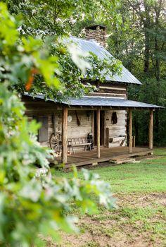 Bear Creek Log Cabins - Looks like the perfect mountain get-away cabin!