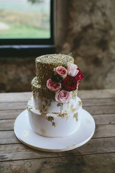 Wedding Cake with Gold Texture | Knot Just Pics on @SouthBoundBride via @aislesociety