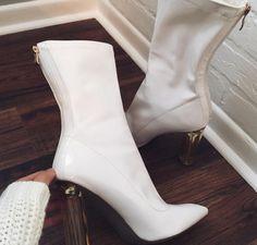 25b547d7e8d 438 meilleures images du tableau Chaussures