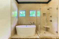 97304 Dobbs has a Fabulous #masterbath and #dreamtub in this Vance Villa #governorsclub #chapelhillnc town home. Listing ID: 2005679 Price: $350,000
