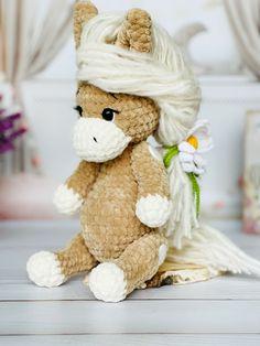 Crochet Pony, Crochet Horse, Cute Crochet, Crochet For Kids, Beautiful Crochet, Crochet Ideas, Newborn Crochet Patterns, Crochet Patterns Amigurumi, Knitting Patterns