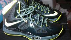 https://kicksuniverse.com/ DS Nike Lebron James X 10 Dunkman  Size :11  Deadstock/ Brand New  Color:Seaweed Atomic Green