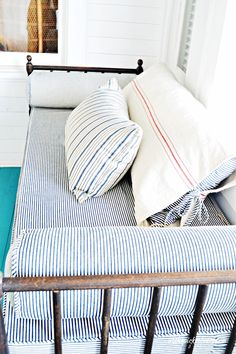Ooh, I love sleeping on a porch! Cozy daybed on the sleeping porch via Ebbtide Cottage on Tybee Island Coastal Cottage, Coastal Living, Coastal Style, Sleeping Porch, Interior And Exterior, Interior Design, Spare Room, Soft Furnishings, Cottage Style