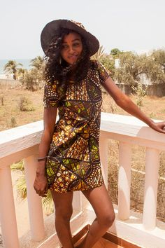 African wax dress or ethnic mini summer dress with small sleeves, printed in African Ankara wax cotton Ankara Dress, African Dress, I Dress, African Style, African Fashion, Ghana Style, Afro, Straight Dress, Fashion Prints