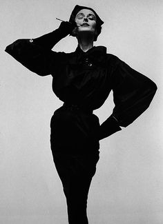 Irving Penn : photographer. Fashion, vintage, retro, black and white, cigarette