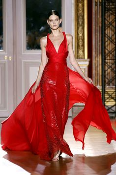 Zuhair Murad Fall/Winter 2012/2013 Couture Collection | Look #21  #Fashion #Couture #Runway #HighFashion  #ZuhairMurad #Dress #Gown #Flower #Design #Clothes #Red #Sequin