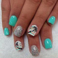 15 Super Cool Tropical Nail Art Designs For Summer - Bea's Beauty Fancy Nails, Love Nails, Diy Nails, Style Nails, Sparkle Nails, Shellac Nails, Nail Polishes, Nail Art Designs, Beach Nail Designs