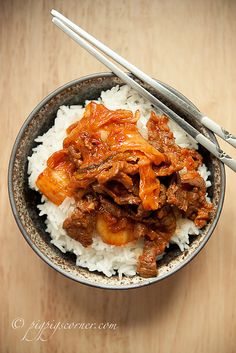 Beef and Kimchi Stir-fry by pigpigscorner, via Flickr