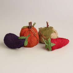 cute MINI BURLAP VEGGIES, SET $10