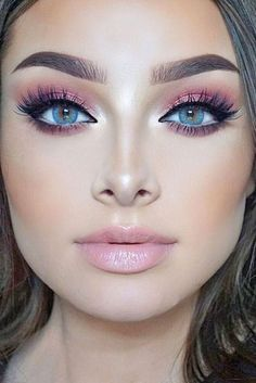 Awesome 36 Simple Makeup Tutorials for Blue Eyes. More at https://outfitsbuzz.com/2018/07/10/36-simple-makeup-tutorials-for-blue-eyes/