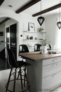 Kitchen black and white interior Black And White Interior, Black Kitchens, Kitchen Black, Kitchen Pantry, Kitchen Island, Interior Inspiration, Office Desk, Corner Desk, Condo