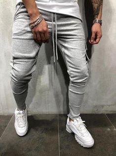 Mens Fashion Smart – The World of Mens Fashion Jogger Sweatpants, Grey Jeans Men, Mens Cargo, Mens Clothing Styles, Mens Fashion, Gym Fashion, Sport Fashion, How To Wear, Shopping