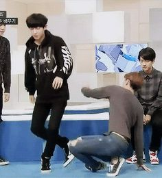 Park Chanyeol | EXO 90:2014. Evidence of why Sehun is in the dancing line and Chanyeol is in the Beagle line.