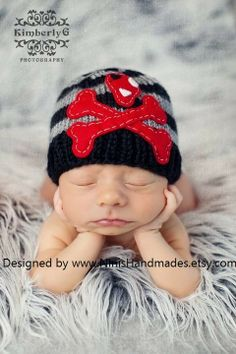 Skull and Bones Beanie OMG! Im making this for my baby. Precious Moments, Cute Babies, Baby Kids, Hipster Babies, Crochet Bebe, Baby Must Haves, Cute Hats, Skull And Bones, Looks Cool