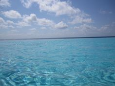 The pool at the Westin Lagumar Cancun  blending with the Caribbean.