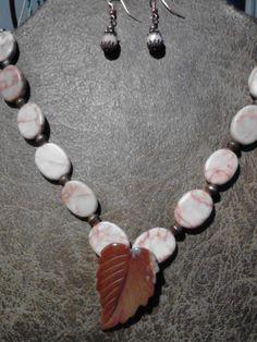 Marbled stone leaf necklace ser