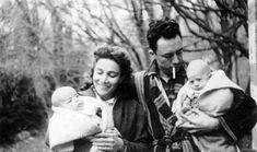 Francine y Albert Camus con los gemelos en Bougival, en noviembre de 1945.