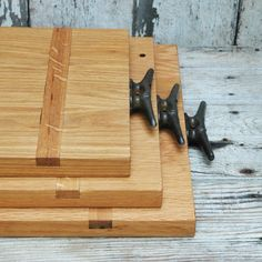 boat cleats as a handle--- <3! Cutting and Serving Boards by Peg and Awl