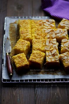 Coba-Coba Yuk.....: CAKE LABU KUNING Resep Cake, Indonesian Cuisine, Pumpkin Recipes, Cake Cookies, Cheddar, Cornbread, Cereal, Almond, French Toast