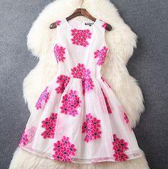 Round neck sleeveless embroidered organza dress GH71111K