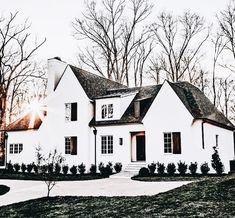 70 Most Popular Dream House Exterior Design Ideas - Ideaboz Houses Architecture, Architecture Design, Future House, My House, House Front, Dream House Exterior, House Goals, Design Case, My Dream Home